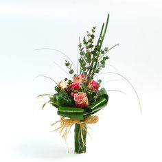 Flower Arrangement Designs, Modern Flower Arrangements, Flower Designs, Table Flowers, Love Flowers, Fresh Flowers, Flower Bouqet, Flower Art, Hand Bouquet