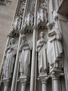 detalhe da fachada da Igreja da Sé - São Paulo. Os Quatro Profetas Maiores: Isaías, Jeremias, Ezequiel e Daniel.