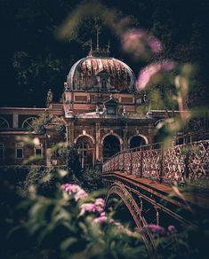 Visit Romania, Taj Mahal, Places To Visit, Spa, History, Building, Travel, Instagram, Historia