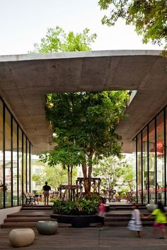 Kurve 7 / Stu/D/O Architects. Tropical Urban Architecture Kurve 7 / Stu/D/O Architects. Urban Landscape, Landscape Design, Garden Design, House Design, Mall Design, Park Landscape, Terrace Design, Loft Design, Tropical Architecture