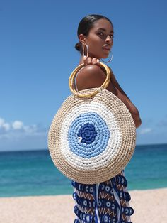 Elexis Evil Eye Runde Tasche - Seda Kuş - Willkommen bei Pin WorldMeant to your subsequent island escape, our Elexis tote bag is completely hand-kni. The evil eye is here to keep away that bad energy! My Beachy Side Elexis Evil Eye Round Tote Bag Turkey' Crochet Clutch, Crochet Handbags, Crochet Purses, Crochet Bags, Crochet Beach Bags, Purse Patterns, Crochet Patterns, Clutch Bag, Tote Bag