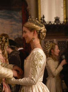 Annabelle Wallis as Jane Seymour in The Tudors (TV Series, 2009). [x]