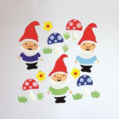 GelWonder | Window Clings | Large Bag of Garden Gnomes | Spring | Can be used on any non-porous surface | www.homearama.co.uk