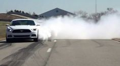 Ford shows how to perform a burnout in new Mustang | Rush Lane