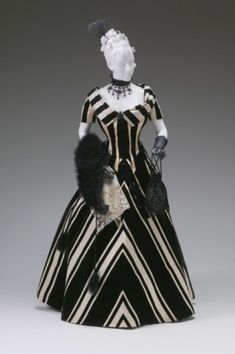 Evening Dress, Jacques Doucet, The Mint Museum - black and white challenge Prom Dress Shopping, Online Dress Shopping, Black And White Challenge, Vintage Dresses, Vintage Outfits, Vintage Clothing, 1890s Fashion, Vintage Fashion, Women's Fashion
