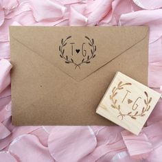 Perfect to add a finishing touch to those wedding invitations or Save the Date envelopes and great for favor tags!  Measurements - stamp