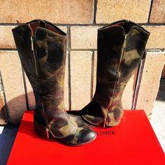 #donaldpliner #devi3 #vintage #olive #boot #regina Cowboy Boots, Riding Boots, Instagram Posts, Vintage, Shoes, Fashion, Zapatos, Moda, Shoes Outlet