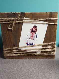Wood block picture holder made from reclaimed wood with twine by BarnWebCreations on Etsy https://www.etsy.com/listing/255535208/wood-block-picture-holder-made-from