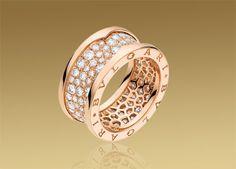 ビー・ゼロワン リング。パヴェダイヤモンドを使用した18Kピンクゴールド製。