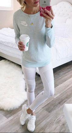 Estas son las únicas 6 formas de usar correctamente leggings blancos