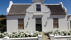 Views of the Small Town of Tulbagh in the rich Wine lands of the Boland Western Cape South Africa Wonderful Places, Beautiful Places, Provinces Of South Africa, Cape Dutch, Secret House, Travel Images, Sunrises, Countries Of The World, Homeland