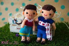 knit_by_jib:: Hello Tuesday from Nu Yim and Nu Yaam Thai style dolls. Size: 4.5 inches Price: 450 Baht each (can add keychain) Time: 1 week #Knit #Knitting #Crochet #Yarn #Handmade #Doll #ThaiStyle #Amigurumi #NuYim #NuYaam #KnitByJib