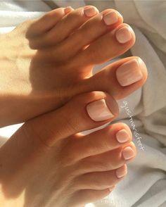 28 Trendy Gel Pedicure Toes Natural – Nails – – About Eye Makeup Gel Toe Nails, Feet Nails, Nude Nails, Coffin Nails, Toe Nail Polish, Acrylic Toe Nails, Gel Toes, Silver Nails, Nail Polishes