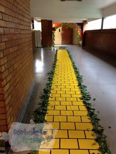 All grade levels have a yellow brick road full of math (life sized board game) Wizard Of Oz Musical, Wizard Of Oz Decor, Disney Fantasy, Holidays Halloween, Halloween Themes, Happy Halloween, The Wiz, Emerald City Party, Homecoming Decorations