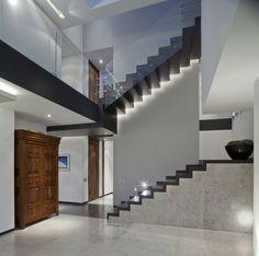 escalier intérieur lumieres design
