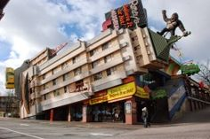 6 Love it or Hate it Buildings! - Inspiration - modlar.com