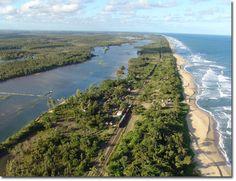 Le Canal des Pangalanes, à Madagascar, longe l'océan Indien. #myhome, #paradiseonearth, #myhappyplace