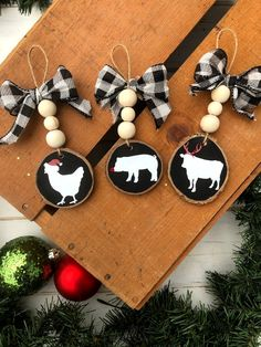 Cow Ornaments, Christmas Ornament Crafts, Christmas Tree Farm, Farmhouse Christmas Decor, Christmas Signs, Rustic Christmas, Christmas Projects, Holiday Crafts, Christmas Decorations
