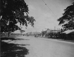 Taft Avenue, Manila, Philippine Islands 1900s Philippine Holidays, Automobile, Filipiniana, Manila Philippines, Photo Essay, Pinoy, Old Photos, Past, Street