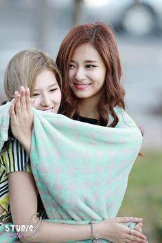 Tzuyu & Sana 151027 Mini Fanmeeting The Show Twice Jyp, Twice Once, Tzuyu Twice, Korean Women, South Korean Girls, Korean Girl Groups, Extended Play, Kpop, Tzuyu And Sana