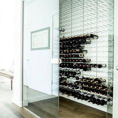 #vin #glas #vinreol #gråeg #vinopbevaring #vinkælder #vinrum #bolig #bobedre #design #interiør #arkitekt #hus #nythus #byghus #indretning #byg #opbevaring #københavn #odense #aarhus #bar #restaurant #hotel #luksus #nybyggeri #nybyg #nybygger #nybyggerne2017 #nybygger2017