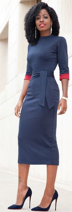 Navy Contrast Sleeve Midi Dress Fall Streetstyle Inspo Source Source by dress outfit fall Fashion Mode, Work Fashion, Modest Fashion, Womens Fashion, Street Fashion, Fashion Clothes, Grey Midi Dress, Midi Dress With Sleeves, Dot Dress