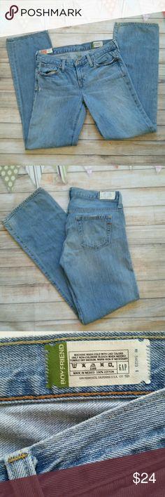 """GAP 1969 Boyfriend Jeans Excellent condition. Boyfriend fit, 100% cotton, light wash great fit for spring/summer, 31.5"""" inseam. GAP Jeans Boyfriend"""