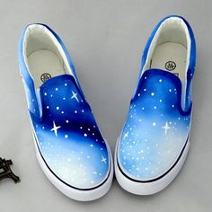 Blue space on shoes ***