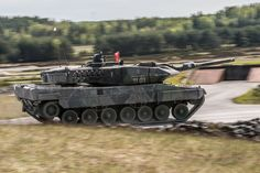 Leopard 2A5 Military Vehicles, Tanks, Army, Polish, Modern, Armed Forces, Trendy Tree, Military, Varnishes