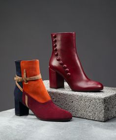 Focus on fastenings and pair these detailed, rich-hued boots from L'Autre Chose with cropped, faded wash jeans.