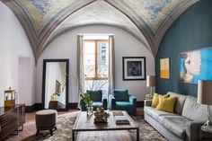Living Room, Sotto Le Antiche Volte