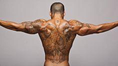 Homme, dos, tatouages, poisson, tan, muscles, secours Wallpaper