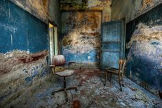 The blue room (abandoned psychiatric hospital) by Alessandro Sicco on 500px