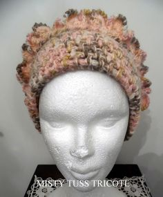 """Bonnet """"CANELLE"""" tricoté main en laine,acrylique et alpaga : Chapeau, bonnet par misty-tuss-tricote"""