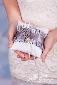 Ringkissen - Ringkissen Schleife Spitze Hochzeit PRE 19 - ein Designerstück von Perle-Wismer bei DaWanda