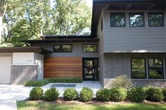 modern split level exterior midcentury with midcentury modern house Home Exterior Makeover, Exterior Remodel, Exterior Siding, Gray Siding, Stone Exterior, Exterior Paint Colors For House, Exterior Colors, Exterior Design, Split Level Exterior