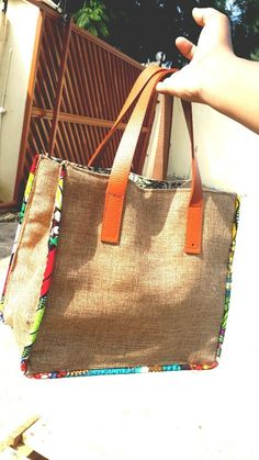 Sewing Bags For Women Africanlace carrybags.for more info go to Africa Lace. Hessian Bags, Jute Bags, Patchwork Bags, Quilted Bag, Sacs Tote Bags, Reusable Tote Bags, Linen Bag, Denim Bag, Fabric Bags