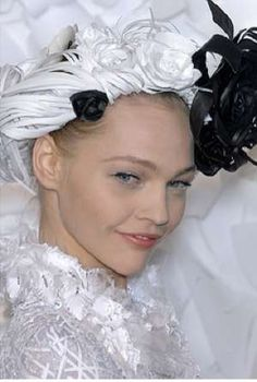 Papercraft Headwear - Katsuya Kamo Completes Chanel's Spring 2009 Look With Copy Paper Tiaras (GALLERY)