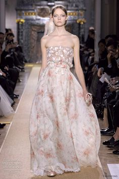 Valentino Spring/Summer 2012 Haute Couture