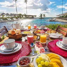 Nadire Atas on Dining Al Fresco Second Breakfast, Breakfast In Bed, Perfect Breakfast, Food N, Good Food, Food And Drink, Art Cafe, Luxury Food, Al Fresco Dining