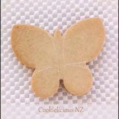 Fancy Cookies, Iced Cookies, Cute Cookies, Easter Cookies, Cupcake Cookies, Sugar Cookies, Butterfly Cookies, Flower Cookies, Cupcake Cake Designs