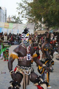 Simb gaindé: Sénégalese men looking like lions (fun and scary)