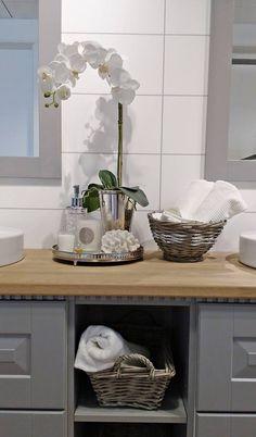 Herregård Bad Styling: Amalie Fagerli Bathroom, Home Decor, Washroom, Decoration Home, Room Decor, Full Bath, Bath, Home Interior Design, Bathrooms