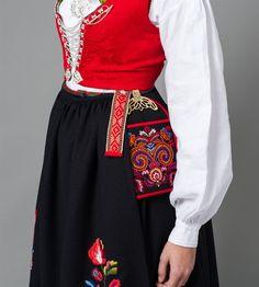 Bilde av Lomme og sele til bunad fra Vest-Agder Folk Costume, Costumes, Kristiansand, Designer Evening Dresses, My Heritage, Dress To Impress, Norway, To My Daughter, High Waisted Skirt
