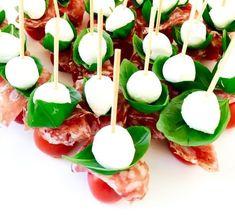 FullSizeRender_2 (2) Tapas, Appetizer Recipes, Snack Recipes, Cooking Recipes, Swedish Cuisine, Mozzarella, Brunch, Swedish Recipes, Snacks Für Party
