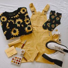 Teen Fashion Outfits, Retro Outfits, Cute Casual Outfits, Vintage Outfits, Girl Outfits, Aesthetic Fashion, Aesthetic Clothes, Mode Vintage, Character Outfits