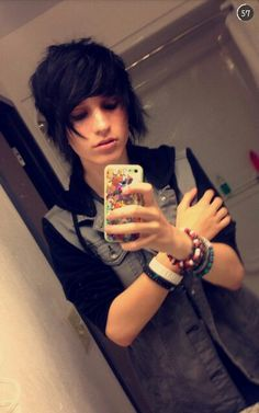 ((FC: Johnnie Guilbert)) Hi, I'm Johnny. I'm 19. I'm a YouTuber.I can sing and play guitar. Violet is my younger sister, and I'll hurt you if you hurt her. I'm single. You can come say hi if you want.