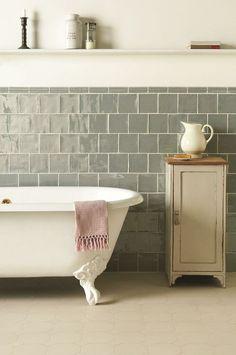 collectorandco:  tub / original style