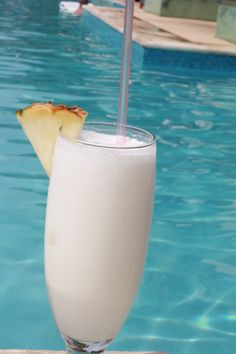 Life doesn't get any better than having a  #pinacolada #poolside #couplesresorts c.oupl.es/1gE9TcL