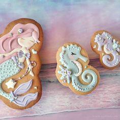 Luau Cookies, Summer Cookies, Cookies For Kids, Cupcake Cookies, Mermaid Cookies, Mermaid Cupcakes, Sugar Cookie Cakes, Royal Icing Cookies, Superhero Cookies